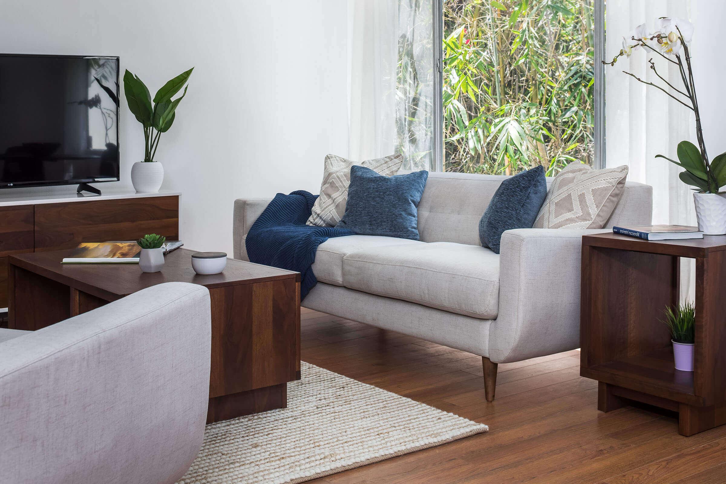 TheDahlia-livingroom